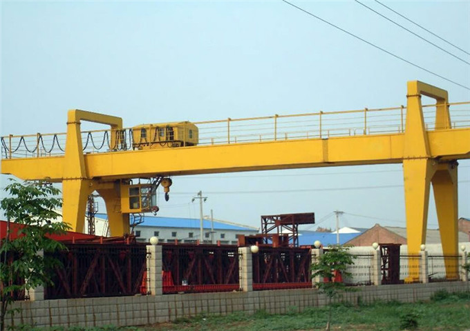 Election of gantry cranes 25 tons
